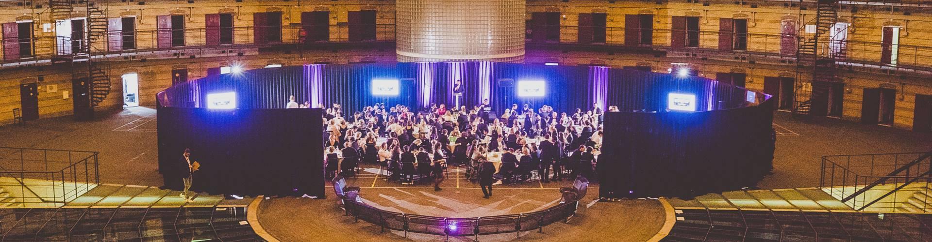 Foto's van het gala staan online