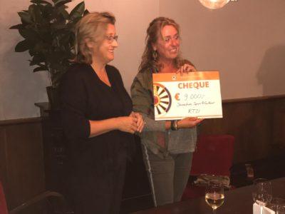 Cheque van €9.000,- uitgereikt aan Jeugdfonds Sport & Cultuur